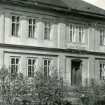 Budynek szkoły w latach 50. XX w.